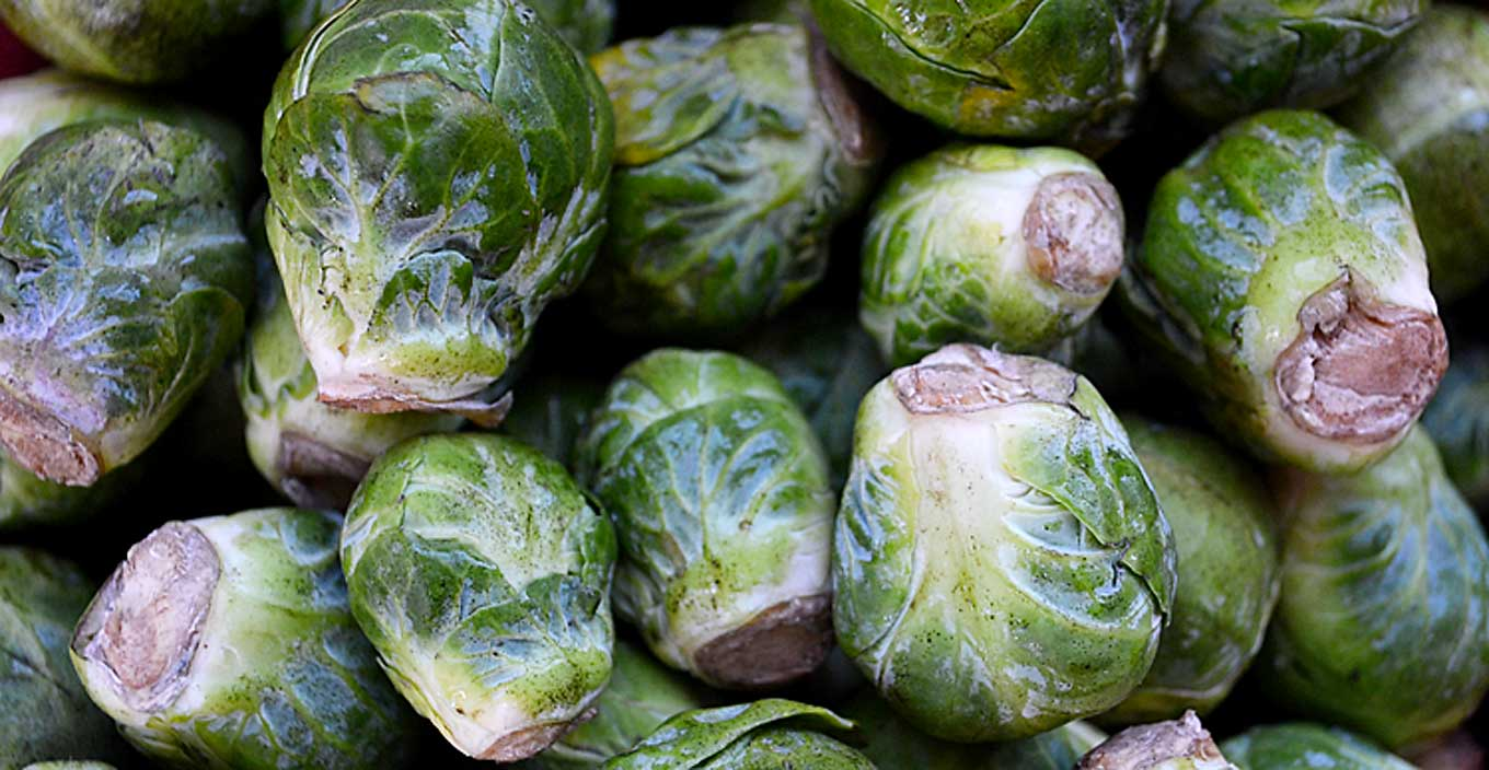 brussels sprouts with red pepper & balsamic glaze | rusticplate.com