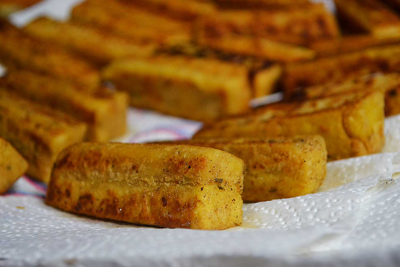 chickpea fries & garlicky yogurt sauce | rusticplate.com
