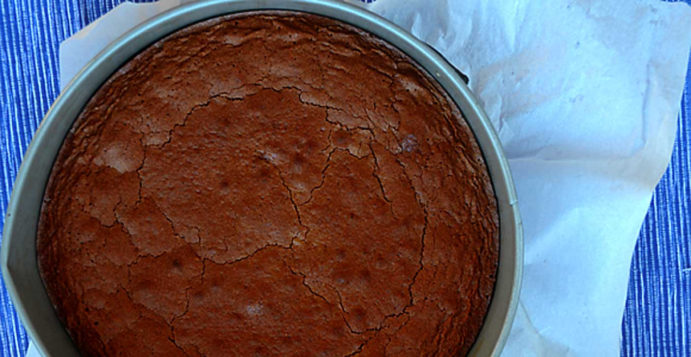 flourless chocolate & hazelnut cake | rusticplate.com
