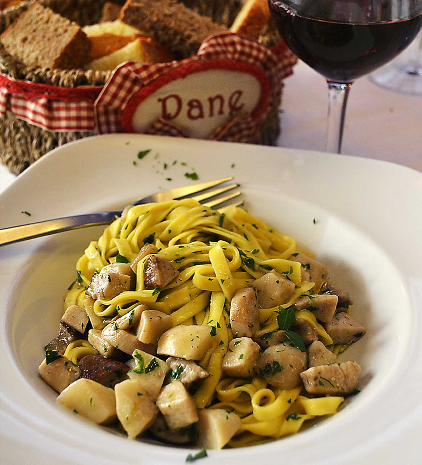 pasta with fresh mushroom sauce | rusticplate.com