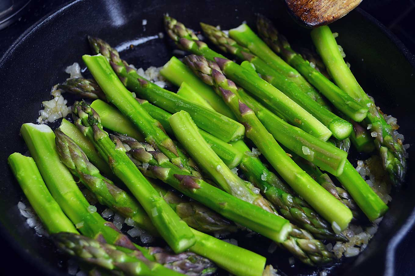 curried & griddled asparagus   rusticplate.com