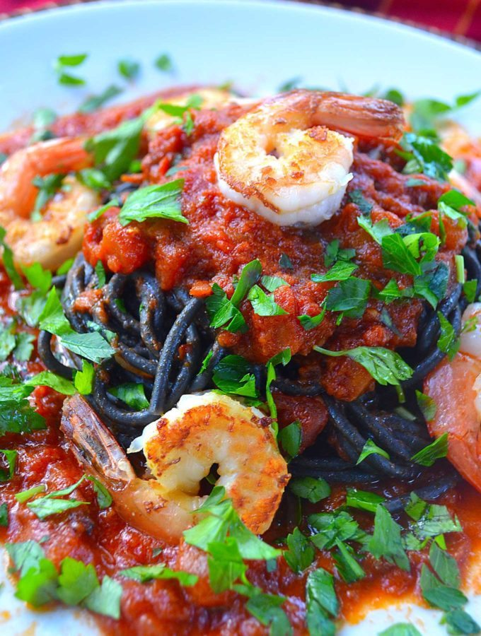 onyx spaghetti with shrimp & pistou