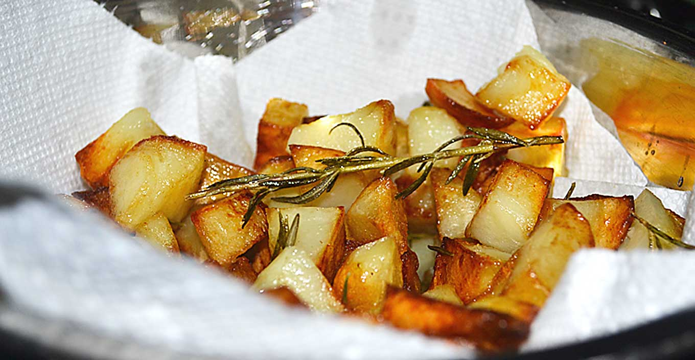 pan-fried rosemary potatoes | rusticplate.com