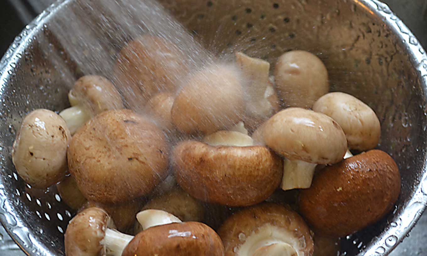 how to clean mushrooms | rusticplate.com