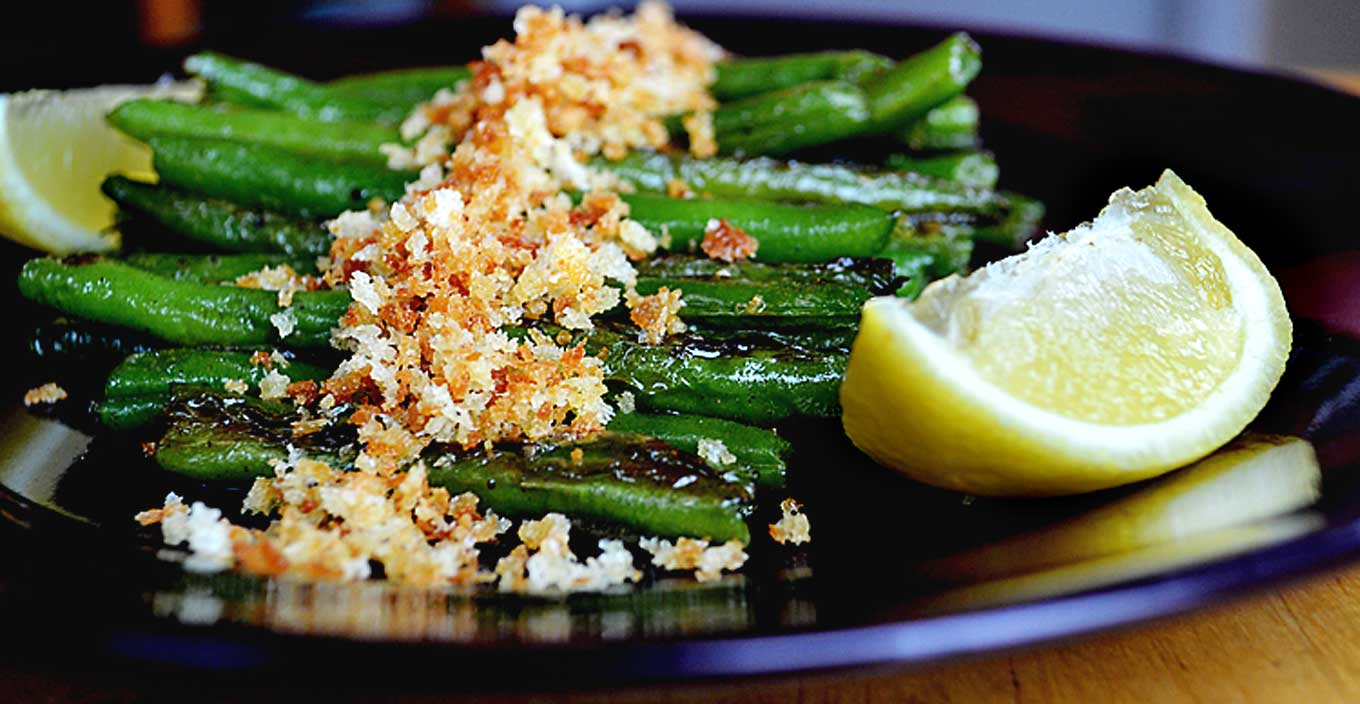 toasted green beans with breadcrumbs | rusticplate.com